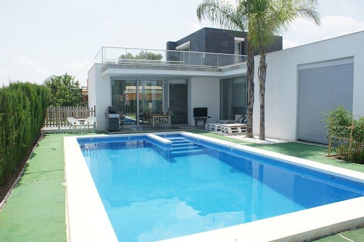 Holiday villa close to Valencia - L'Eliana - Huis