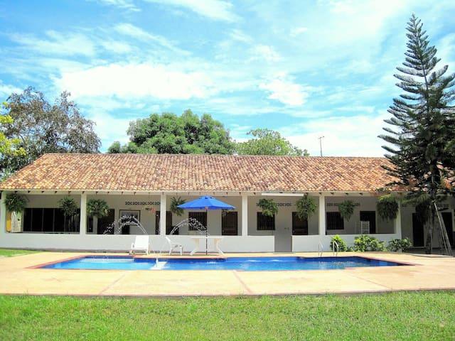B&B Las Brisas Country side house ! - Guamo - Casa
