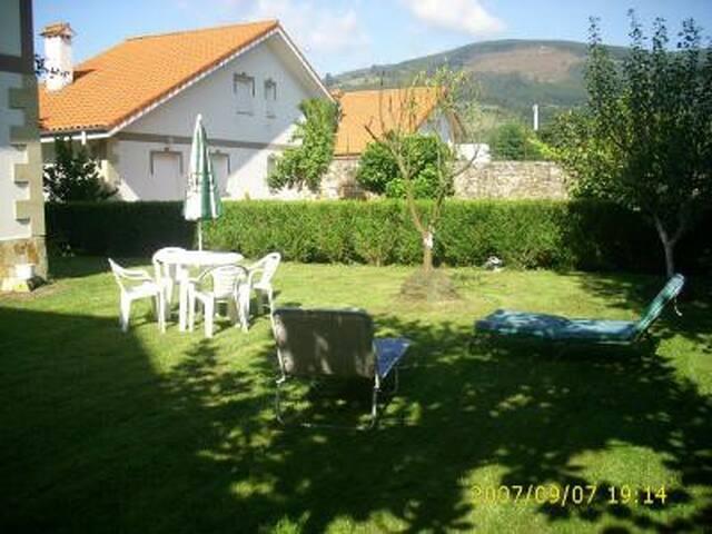 Estupendo chalet con jardin en Cantabria. - Ampuero
