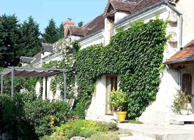 Spacious house with heated pool - Clère-du-Bois