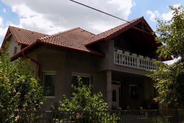Csillag haz - Mosonmagyaróvár - Casa