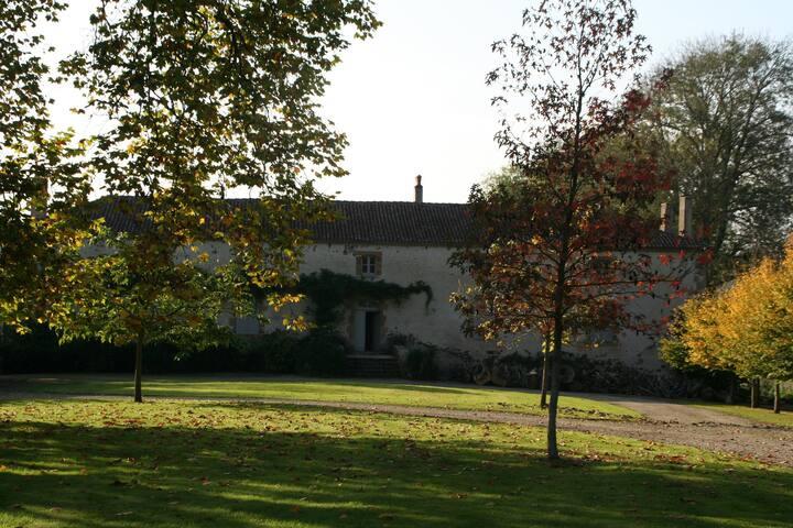 Manoir de La Vergne,Charente, location de vacances - Abzac - Alojamiento vacacional