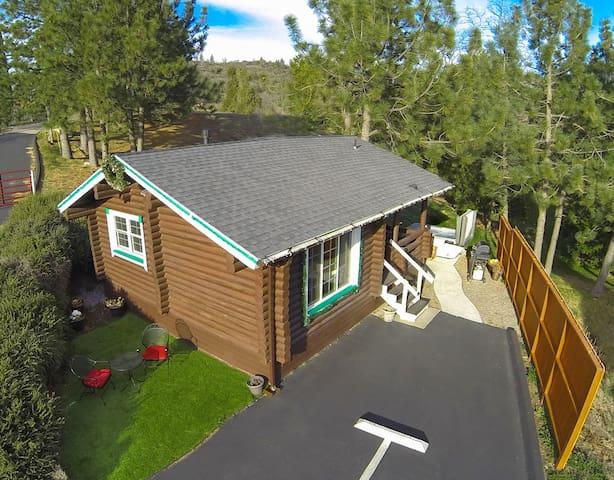 *NEW* Coleman Creek- Authentic Log-Cabin + Spa - 朱利安(Julian) - 小木屋