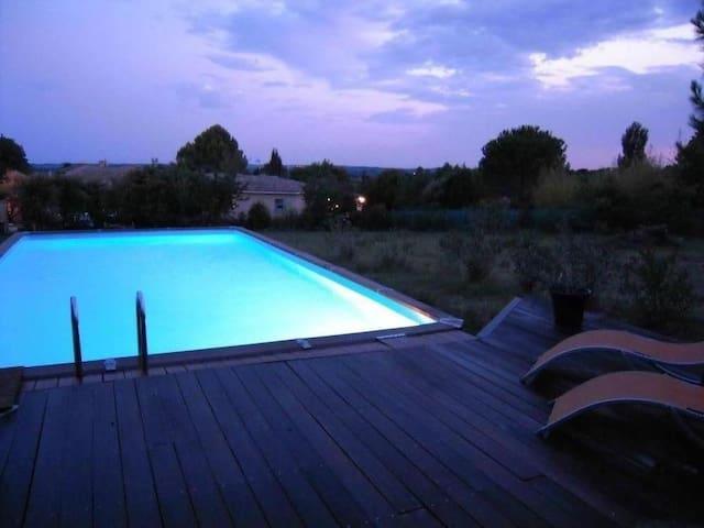 Le Micocoulier : Maison ancienne avec terrain et piscine - Aspères - Hus