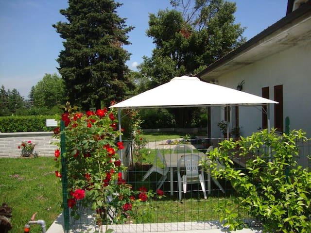 """Casa Vacanze """"Villa Turi"""" - Labico - Appartement"""
