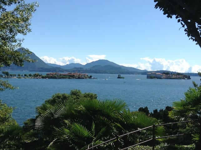 LakeFront + privat park & beach - Baveno - Apartamento