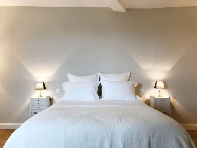 Chambre avec vue - Leynes - Bed & Breakfast