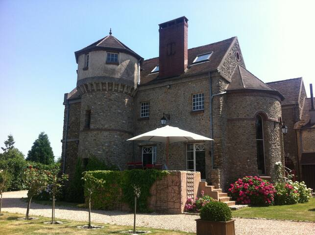 Chambre calme dans une belle maison, proche Paris - Grosrouvre - Haus