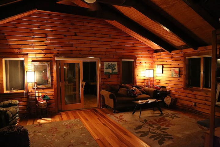 Fantastic log cabin at the beach! - Buxton - Huis