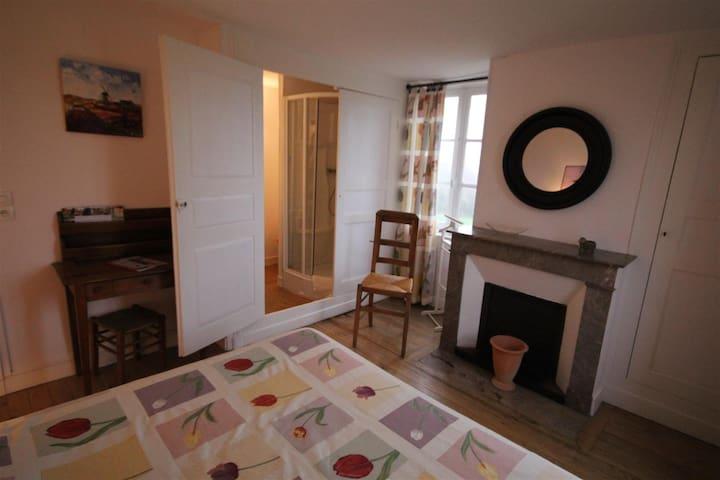 """Chambre """"Tulipes"""" - Saint-Aubin-de-Bonneval - Pension"""