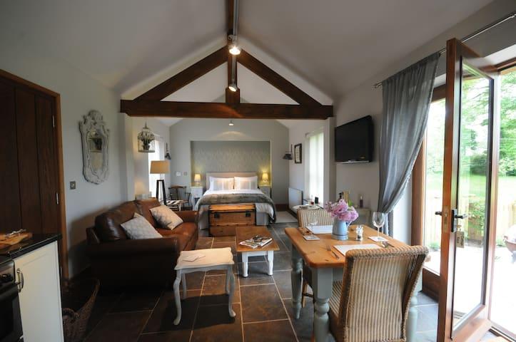 Beautiful Inspirational Luxury Country  Break - Fiskerton