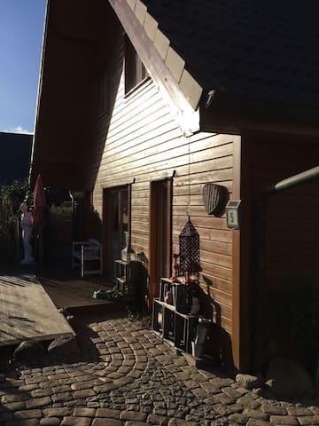 Superschönes Holzhaus im skandinavischen Stil. - Preetz - Dom