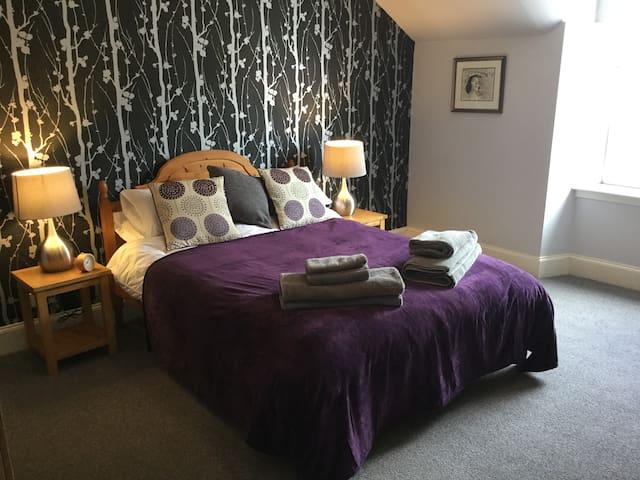 Cumlodden House, relax in comfort. Historic Crieff - Crieff - Apartament