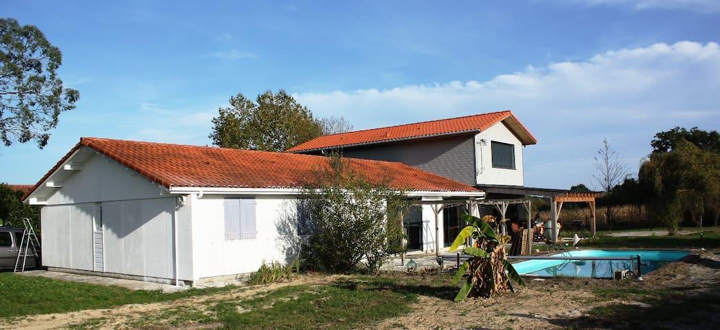 Villa  idéale  pour les vacances en famille - Mimbaste - Casa