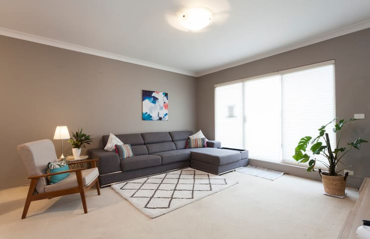 Private room in Cammeray Oasis 10 mins to the City - Naremburn