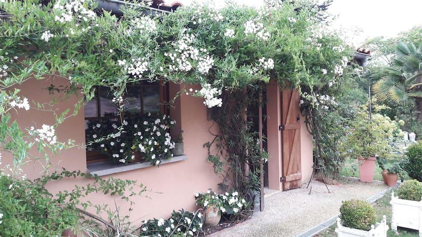 Au calme, logement  indépendant - Miramont-Sensacq, Aquitaine-Limousin-Poitou-Charentes, FR - Huis