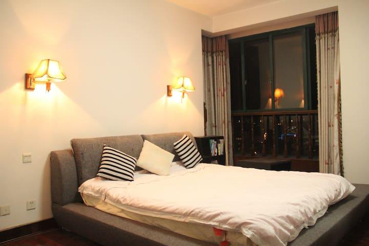 云端公寓(单间1),您可以拥有坐 在云端,俯瞰都市的神奇感觉 - 横店 - Apartemen