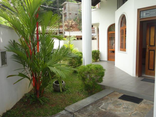 Sherene's Home Stay - Kandy - Huis