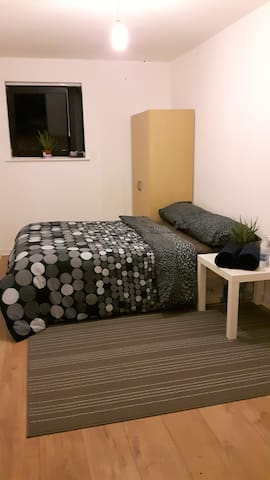 Double bedroom - Simple yet Better! - Greater Manchester - Bed & Breakfast