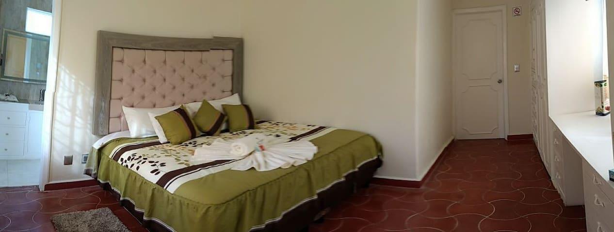Habitación espaciosa con baño - Ixtapan de la Sal - Lägenhet
