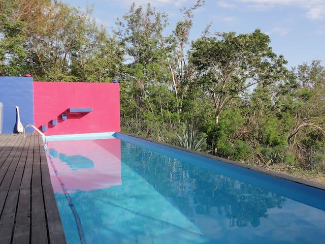 Chambre sur piscine dans villa  - Etang Sale - Ev