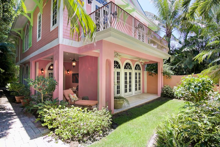 Waterfront Captiva with Private Dock and Pool - Captiva - Hus