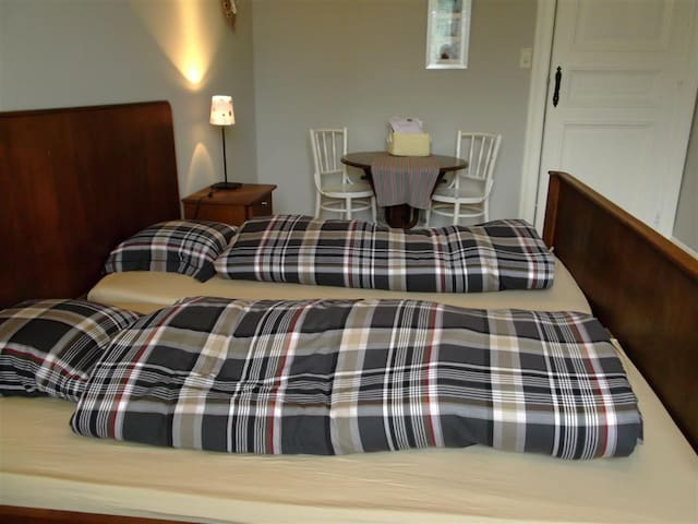 B&B in charming Limbourg - Limbourg - Bed & Breakfast