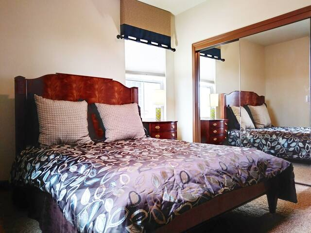 Beautiful Model Home Pvt Bed/Bath - Oakdale - Hus