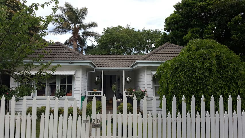 Double Bedroom in Cottage - Frankston - Casa