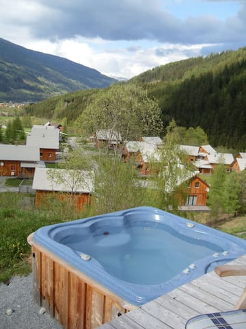 Luxe Chalet met jacuzzi - Paal - Hytte (i sveitsisk stil)