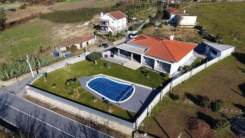 Vivenda com Piscina em Vila Verde - Coucieiro