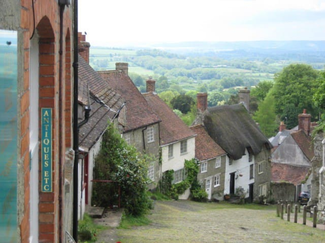 350 year old cottage, walk to town! - Shaftesbury - Casa