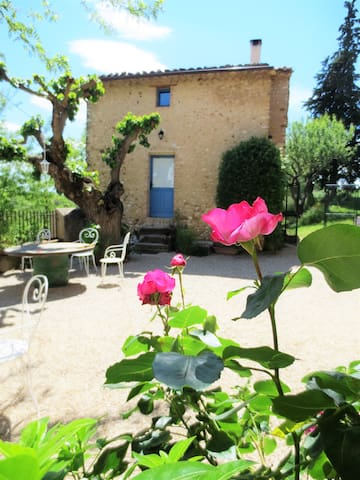 Traditional house with a terrace - Allemagne en Provence - 一軒家