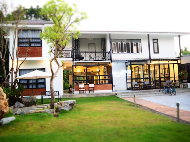 C Private Room & Breakfast (Old City) - Chiang Mai - Hus
