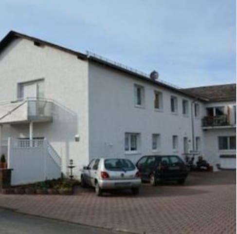Ferienwohnungen Hermes Wohnung 2 - Holzhausen an der Haide - Appartement