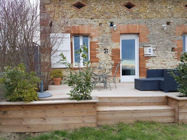T2 dans dépendance brique et pierre - Verfeil - Casa