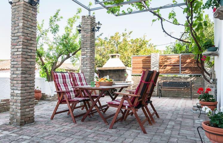 Beautiful cottage! Large and quiet! - Sirili - Ev