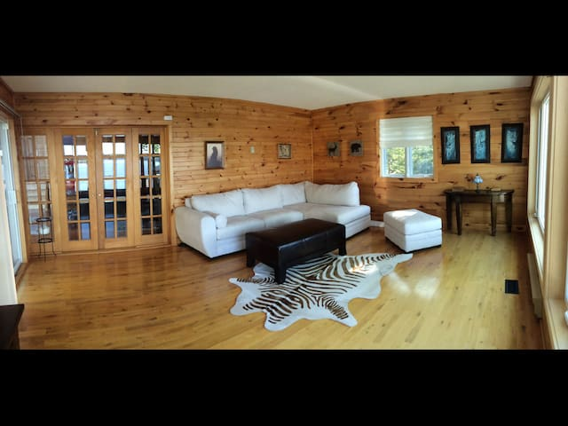 Lake House - A Year Round Retreat - Buckhorn - Alojamiento vacacional