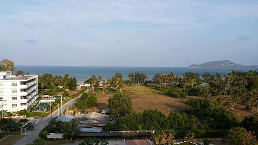 Beach condo with ocean view. - Sam Roi Yot - Lejlighed