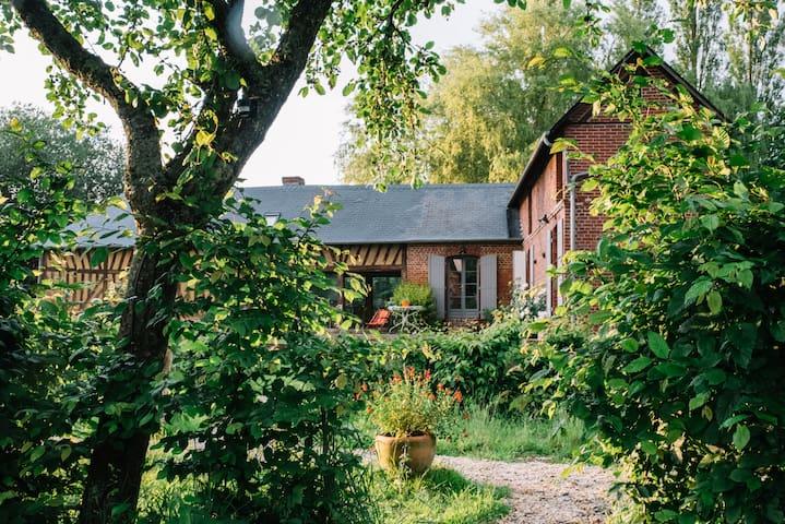 Le pré doré, Chambres d'hôtes - Bonneville-la-Louvet - Departamento