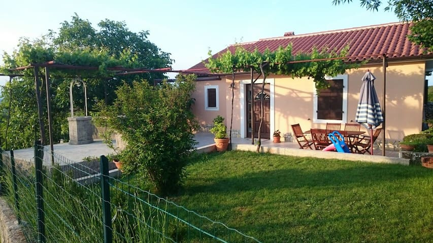 lovely house for family vacation - Bartići