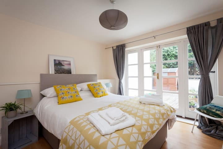 Modern apartment 2 minutes from Bournemouth gdns - Bournemouth - Pis
