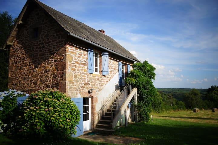 Gîte rural en Corrèze - Champagnac-la-Noaille - Huis