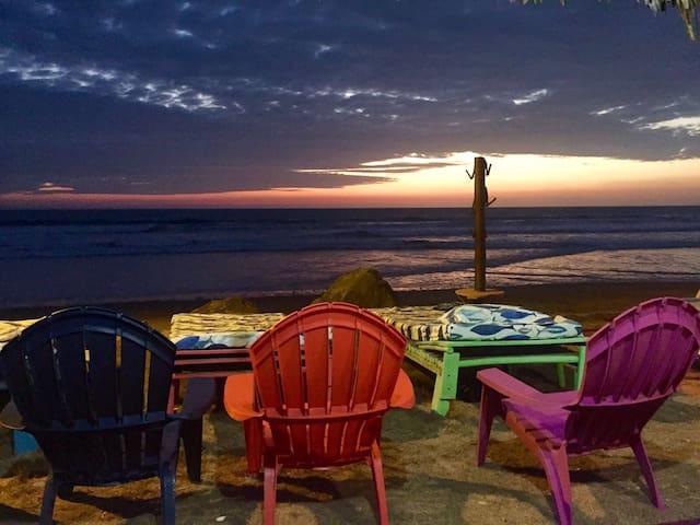 Cabañas de Playa /Beach House - Puerto Cayo - Chatka
