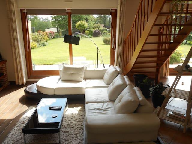 Chambre coquette et spacieuse. - Nivelle - Vila