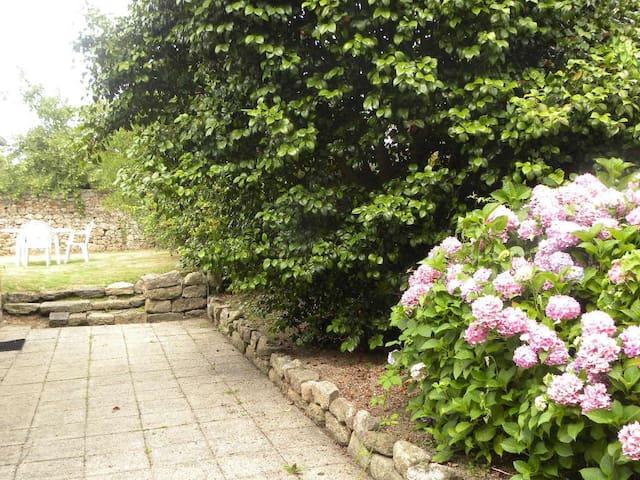 Studio avec jardin commun - Guingamp - Leilighet