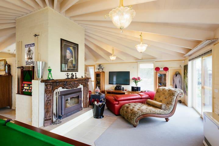 Holly Cottage-Olinda. Comfort, Space and Style . - Olinda - Casa