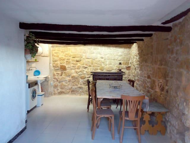 Lloguer de casa de poble - Lledó - Casa
