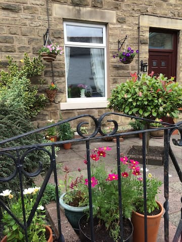 Quirky, dog friendly, stone cottage - Wolsingham - Huis