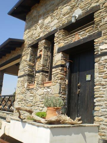 """Stone Villa """"To Petrino"""" - Paleokastro - Villa"""